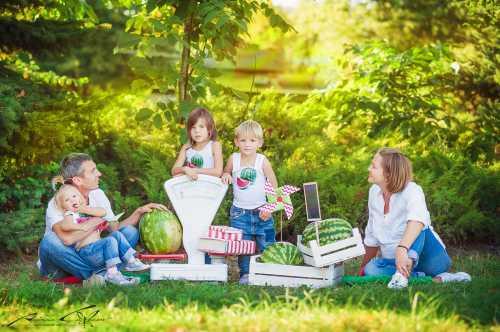Идеи для семейной фотосессии на природе летом