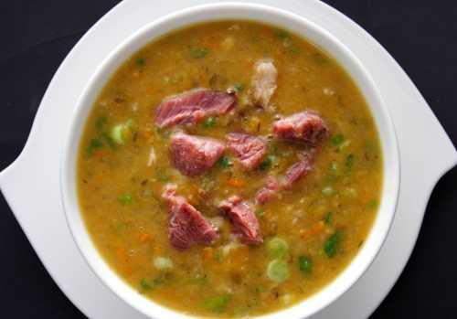 Гороховый суп с копчеными ребрышками пошагово