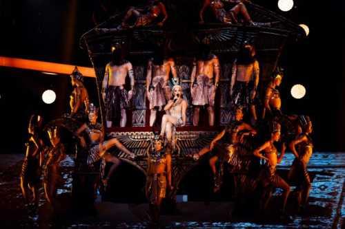 Ани Лорак представила новое грандиозное шоу