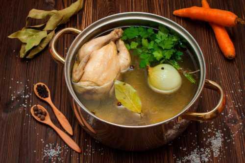 Рецепты варки куриного бульона,  секреты выбора