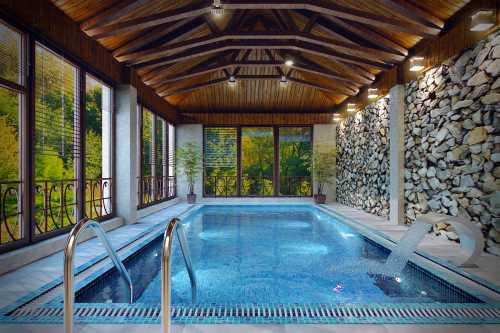 Украсте свой дом стильным басейном