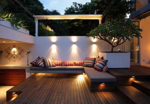 Декоративное освещение участка и интерьра