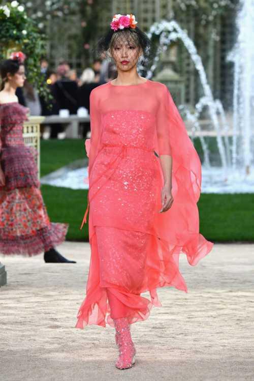 Французская роскошь: показ Chanel Haute Couture весна