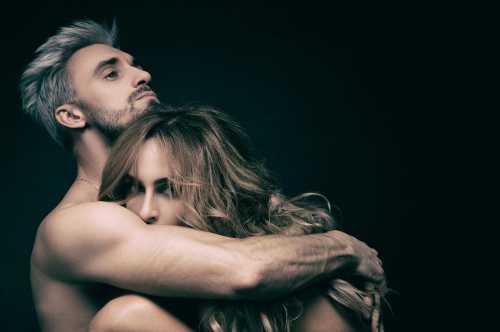 Варнава снялась обнаженной с молодым хореографом