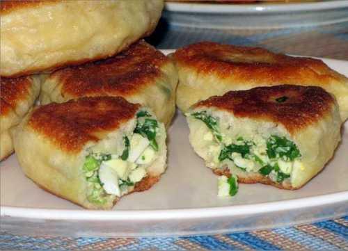 Пошаговый рецепт пирожков с луком и яйцом,