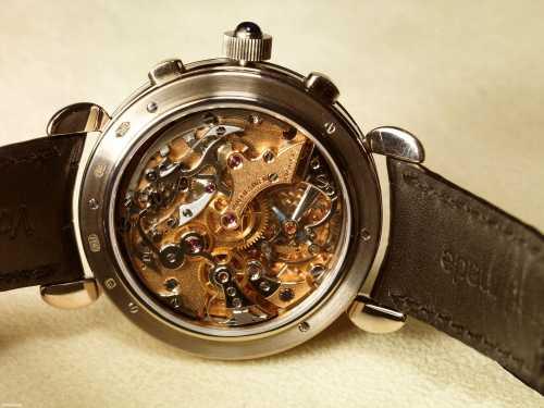 Не просто часы с такими характеристиками, как водо непроницаемость или будильник