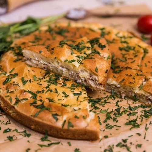 Простой и быстрый пирог с рыбой